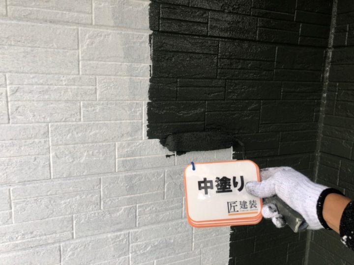 外壁塗装 中塗り(1階)