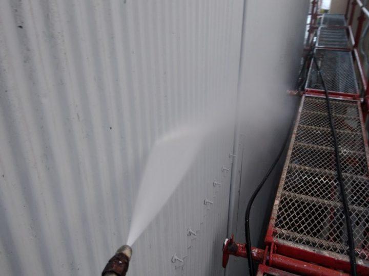 (納屋)トタン外壁高圧洗浄
